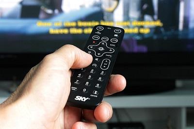 remote-control-2717777_640